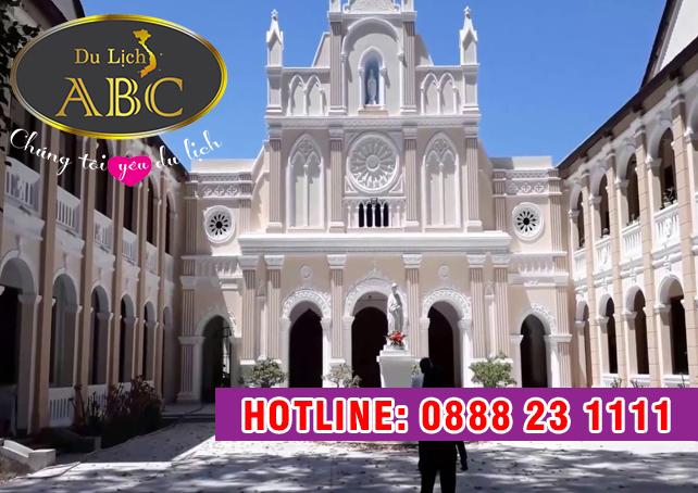 Du lịch Quy Nhơn - Phú Yên - Nhà Thờ Làng Sông