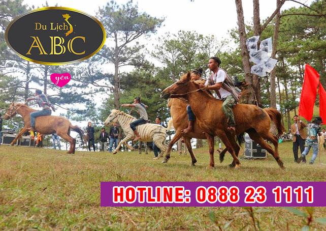 Du Lịch Hè 2018 – Du Lịch  Đua ngựa không yên ở núi Langbiang