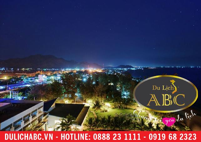 Nhà hàng, khách sạn, lễ hội ở Ninh Chữ