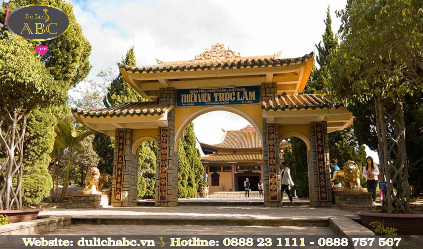 Thiền Viện Trúc Lâm Thu Hút Du Khách Khi Đến Với Đà Lạt